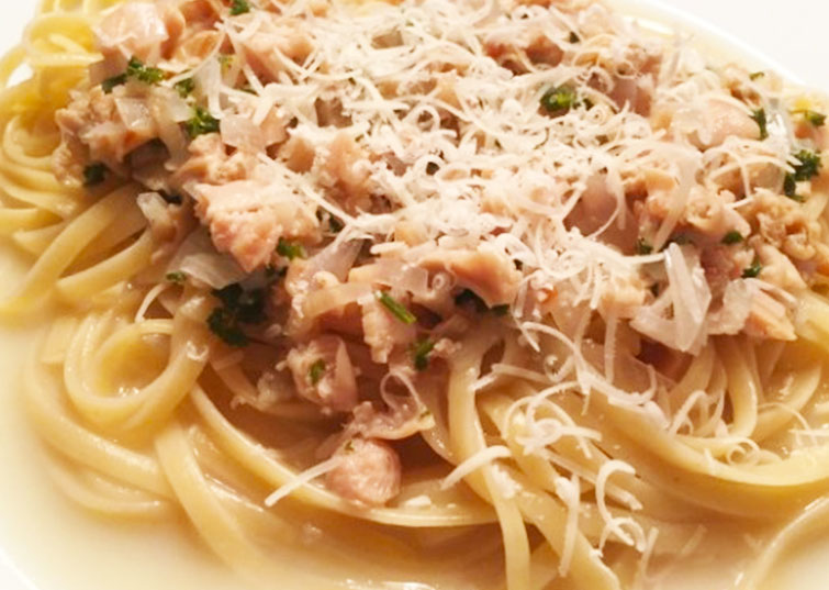 GRILLED CHICKEN WITH LINGUINE AND WHITE CLAM SAUCE, WITH SAUTEED ASPARAGUS