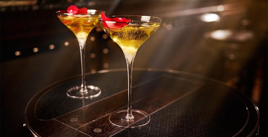 Conversation around Cocktails